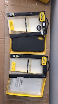 iPhone XS Max otterbox symmetry black or clear $25  Hamilton, L8M 2B5
