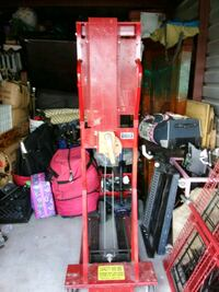 Pallet Hand crank that lifts 600lbs. Georgetown, 78626