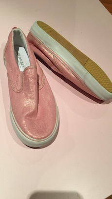 Brand new old navy kids shoes size 2