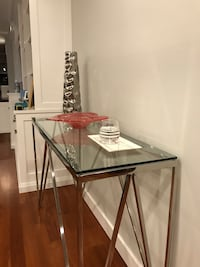 Glass console table Toronto, M6H 0E4