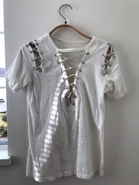 Women's white sleeve shirt with string Coquitlam