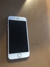 iPhone 7 - rose gold 9/10 condition. Mississauga, L5M 4T5
