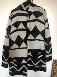 Sweater thick  Calgary, T2X 2A5