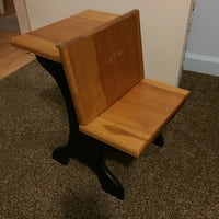 Small desk for a doll or as a plant stand Columbia, 38401