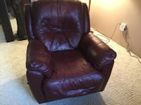 Excellent leather recliner,very little wear  Forest Hill