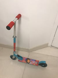 blue and red kick scooter 蒙特利尔, H8N 2A6