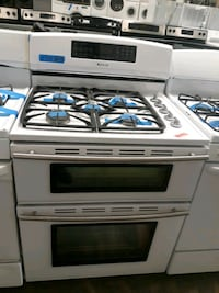 New JENNAIR gas stove electric oven