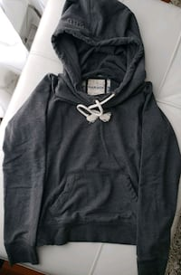 black and white pullover hoodie 798 km