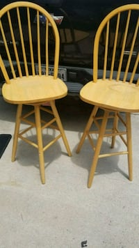 two brown wooden windsor chairs Denton, 76205