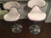 2 Leather bar chairs , not damaged at all. Toronto, M9C