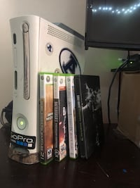 Full working Xbox 360 w/ 6 games and controller  Norfolk, 23518