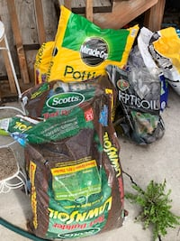 Potting and Lawn Soil