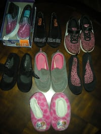 GRAMMY'S CLEAN OUT: Girl's size 11/12 slippers and Girl's sizes 13 & 13.5 ENTIRE LOT $20 Aspers