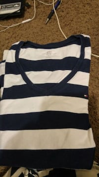 white and black striped crew-neck shirt Winnipeg, R3B 2C3