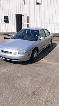 1999 Ford Taurus 200k miles ac cold  Montgomery
