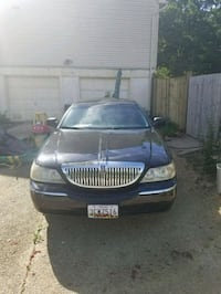2004 Black Lincoln town Lanham, 20706