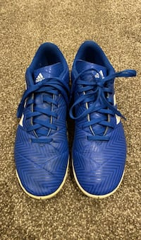 Boys indoor soccer shoes size 7 1/2 Richmond Hill, L4B 4G5