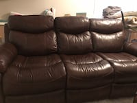 Brown leather couch Charleston, 29414