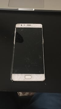 Screen needs fixing one plus 3 selling fast! Toronto, M4X