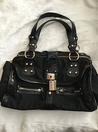 Black Guess purse,very good condition. Vancouver, V6G