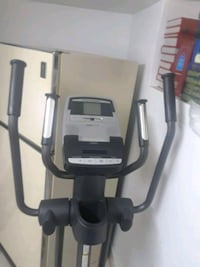 black and gray elliptical trainer Montréal, H4L 2Z5