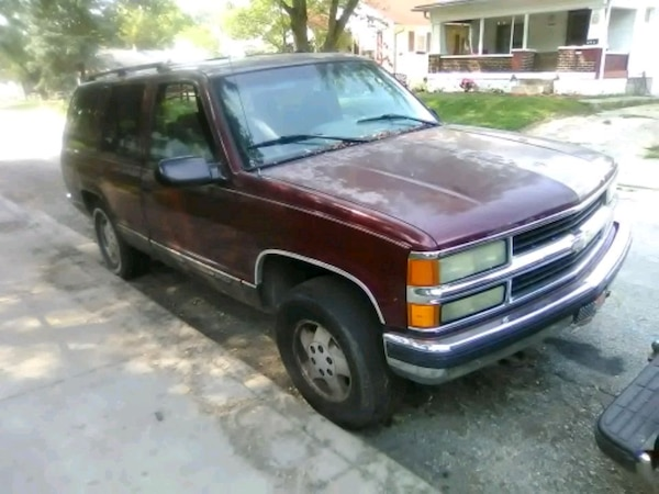 95 Chevy Tahoe PARTING OUT(blown motor)