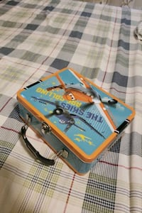 Disney's planes themed lunch box