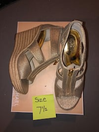 MK Shoes / wedges size 7.5 Vaughan