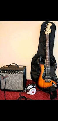 Squier Fender electric with fender amplifier Toronto, M8W 2T5