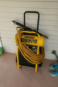 DeWalt air Compressor  Sterling, 20165