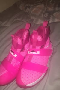 BREAST CANCER AWEARNESS BASKETBALL SHOES!