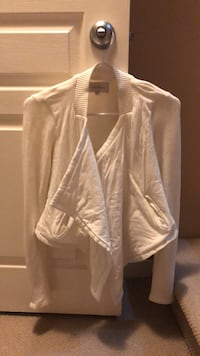 White Cotton Blazer Sz Small Langley, V3A 9L4