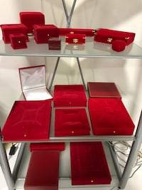 Jewellery boxes, props, displays and gift boxes