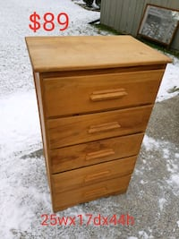Dresser *Delivery Available* Hamilton, L9H 5N7