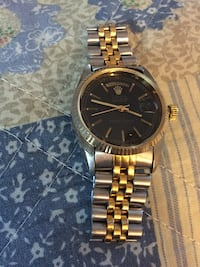 round gold-colored analog watch with link bracelet New Castle, 19720