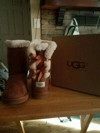 UGGS. NEW IN BOX Keedysville, 21756