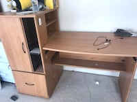 Brown wooden single-drawer desk 56 km