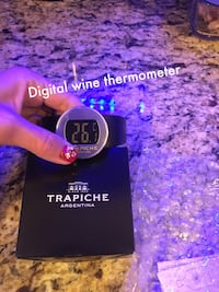 * Digital wine thermometer
