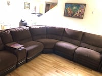 Large Power Sectional Recliner Lynnwood, 98087