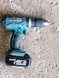 Mikita drill with battery