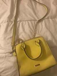 Yello/neon purse Toronto, M5V 3R7