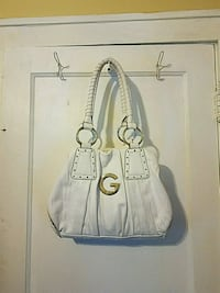 White G by Guess purse Dearborn, 48126