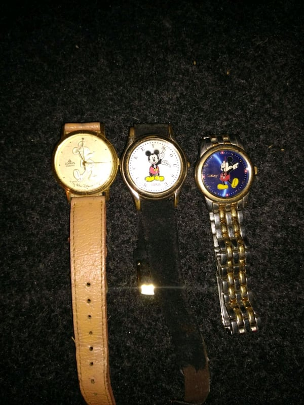 Mickey Mouse watches b520a70a-495a-41fe-b2c9-da9ac2ba53d0