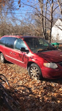 Chrysler - Town and Country - 2005 690 mi