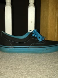 Limited addition vans size 8.5 Mount Airy, 21771