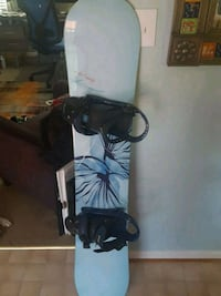 black and white snowboard with bindings Gaithersburg, 20879