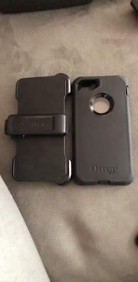 Black otter box iphone case Iphone 7 Toronto, M2H 1T6
