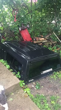 Truck bed cover for 6ft small truck Waukegan, 60085