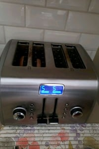 Stainless steel 4 slice toaster Vaughan, L4J 5Y7
