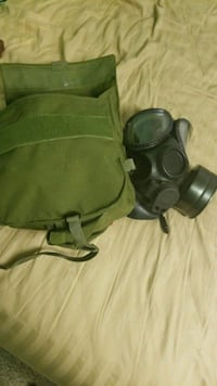 Military Official Gas Mask  Richland, 99352